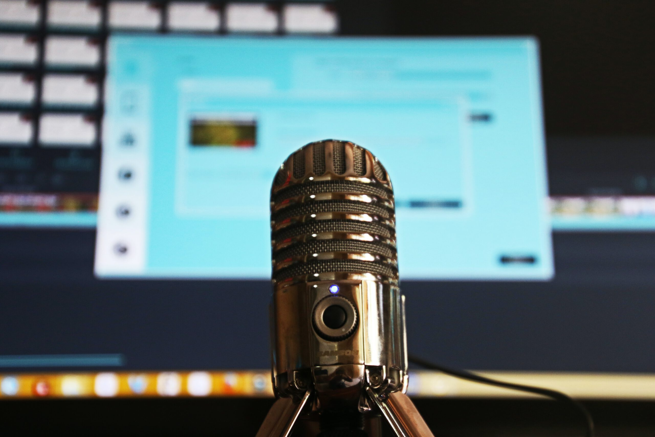 How to Fix Microphone Keeps Muting Itself on Windows 10